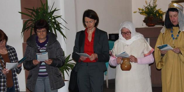 Frauen aus aller Welt beten gemeinsam