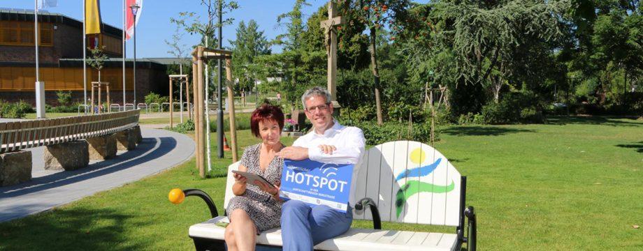 Öffentlicher WLAN-Hotspot im Bürgerhauspark von Kreis und Stadt finanziert