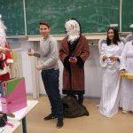 Nikolausverteilung und Brötchenverkauf begeistern