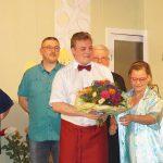 BUZ: Thomas Hayer hatte Grund zum Feiern: 75 mal stand er bereits auf der Sainäwwel-Bühne. Foto: oh