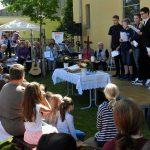 BUZ: Einen bunten Nachmittag verbrachten die Bürger beim Gemeindefest auf dem Außengelände der Gustav-Adolf-Kirche. Foto: Ehret