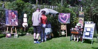 Der Künstlermarkt in der Waldgalerie verzaubert die Besucher am 13. Mai bei gutem Wetter. Foto: oh