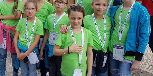 BUZ: Die Nachwuchs-Turnerinnen des TV Bürstadt erlebten mit ihren Eltern und Begleitern beim Deutschen Turnfest in Berlin eine unvergessliche Woche. Foto: oh