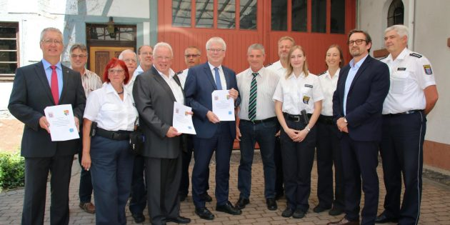 Die Unterzeichnung der Vereinbarung zur Einführung des Freiwilligen Polizeidienstes in Groß-Rohrheim war ein freudiger Anlass für alle Seiten, wie die Redner betonten. Foto: Hannelore Nowacki