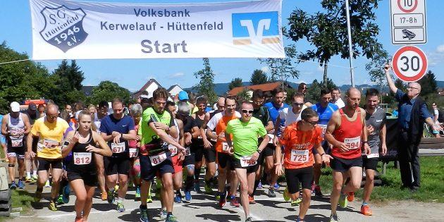 Der Start des Halbmarathons mit Ortsvorsteher Karl-Heinz Berg. Foto: ehr
