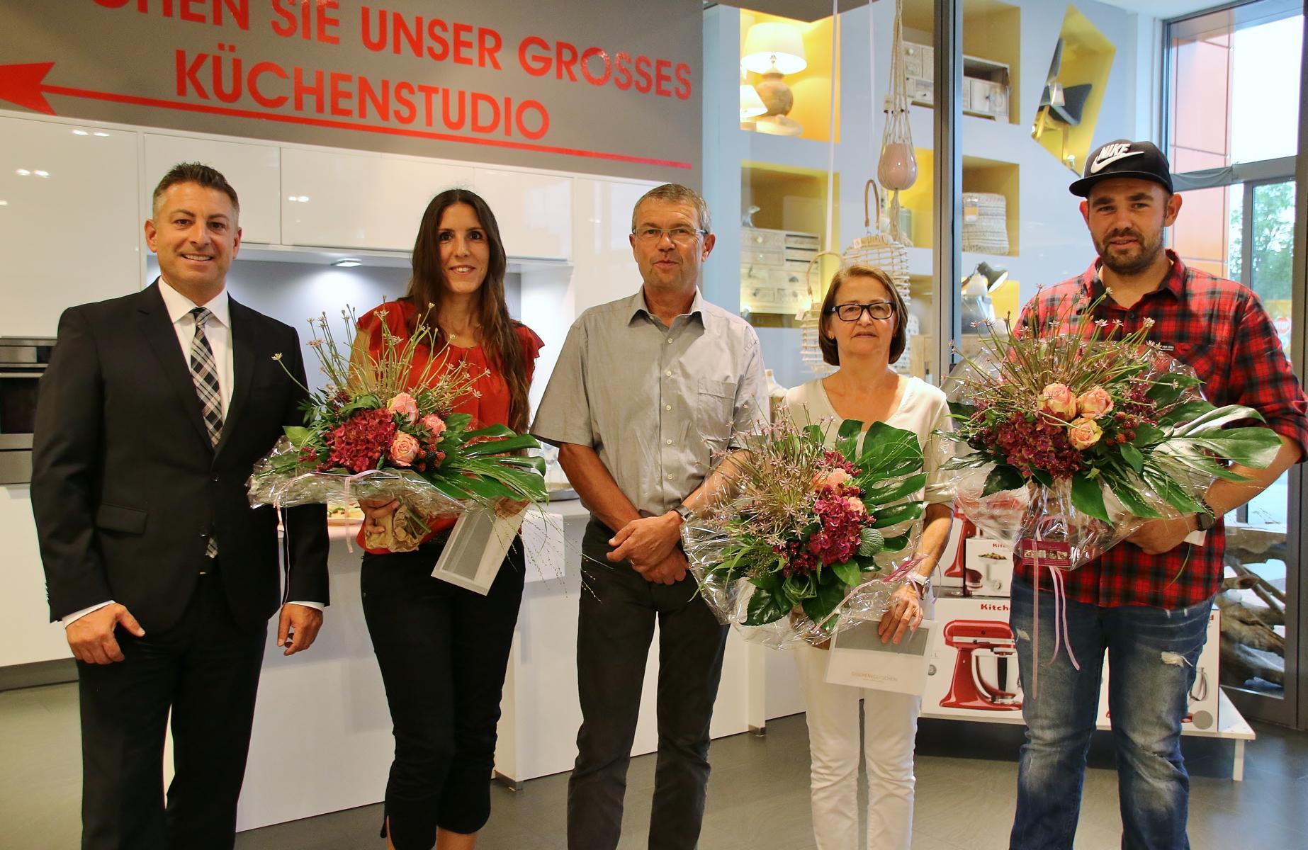 Bei Ehrmann In Frankenthal Feierten Gluckliche Gewinner Tip Verlag