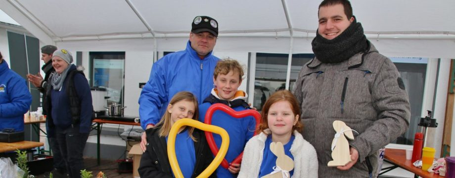 Der Winter kam zum Kinderfrühlingsfest – im Freien kein Vergnügen