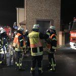BUZ: Übungen, wie die am vergangenen Donnerstag in Hofheim, wehren mehrmals im Jahr durchgeführt, um für eventuelle Einsatzsituationen vorbereitet zu sein und die Zusammenarbeit aller Kräfte zu stärken. Foto: oh