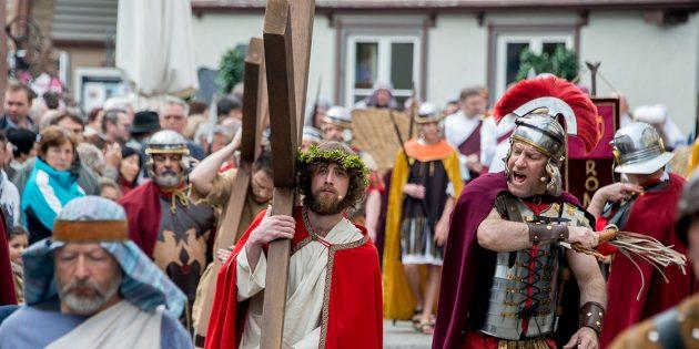 BUZ: Das Passionsspiel in der Bensheimer Innenstadt gilt als einer der kulturellen Höhepunkte in Bensheim. Foto: Thomas Neu/Stadt Bensheim