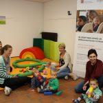 Die Kleinen sind fasziniert von den tollen Spielmöglichkeiten im DROP IN. Foto: Hannelore Nowacki