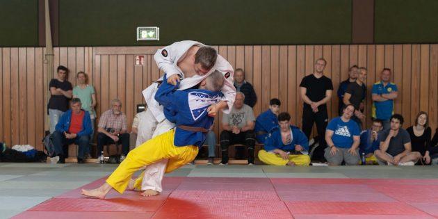 Michael Radig mit zuletzt starken Aktionen für Bürstadt in der Judo-Oberliga. Foto: Stephan Müller