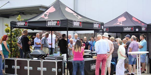 Die Grillexperten von Weber verrieten ihre besten Tipps und Tricks im Rahmen der Live-Grillshow bei der Raiffeisen Mannheim eG. Foto: oh