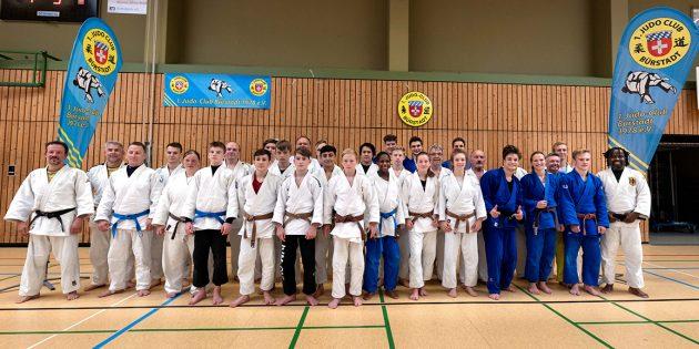 Der Judo-Lehrgang mit U18-Bundestrainer Bruno Tsafack (rechts im Bild) war beim 1. Judo-Club Bürstadt ein voller Erfolg. Foto: privat