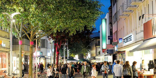 Shoppen und Flanieren bis in den späten Abend! Worms lädt dazu am 4. August ein. Foto: Mirco Metzler/Die Knipser
