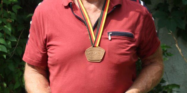 BUZ: Heinz Janson kann wieder stolz auf seine Leistung sein. Bei den Deutschen Seniorenmeisterschaften konnte er sich zwei Bronzemedaillen sichern. Foto: Eva Wiegand