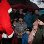 Beim Nikolausmarkt in Groß-Rohrheim darf der Nikolaus natürlich nicht fehlen. Archivfoto: Eva Wiegand