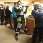 BUZ: Neben dem gemeinsamen Wettkampf steht bei der Frühjahrsrunde auch die Gemeinschaft der Schützen als Ziel ganz oben wie hier in Trösel. Foto: Ehret