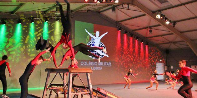 Große Sprünge und kraftvolle Wirbel zeigte die Gymnastikklasse des Colégio Militar aus Portugal. Foto: Hannelore Nowacki