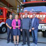 Die SPD-Politiker konnten bei der Freiwilligen Feuerwehr Biblis viele Informationen für ihre eigene Arbeit mitnehmen – die SPD-Landesfraktionsvorsitzende Nancy Faeser will sich in Wiesbaden für die finanzielle Unterstützung der Jugendfeuerwehren stark machen. Foto: Hannelore Nowacki