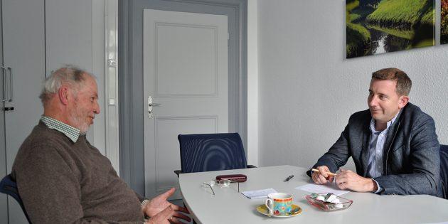 Der hauptamtliche Kreisbeigeordneter Karsten Krug sprach mit dem Kreisbeauftragten für Vogelschutz, Stephan Schäfer, darüber, wie sich der Vogelschutz im Kreis in Zukunft weiterentwickeln könnte. Foto: oh