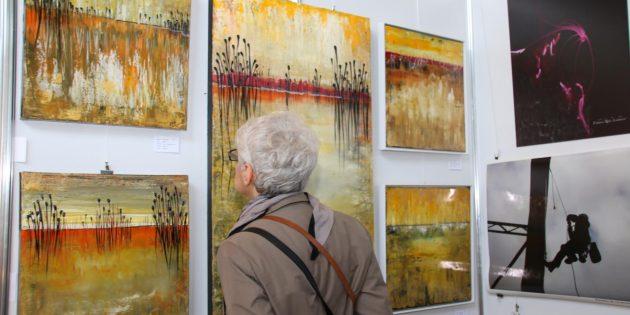 Die Kunstausstellung des Künstlervereins Bürstadt zieht an diesem Wochenende wieder in ihren Bann. Archivfoto: Hannelore Nowacki