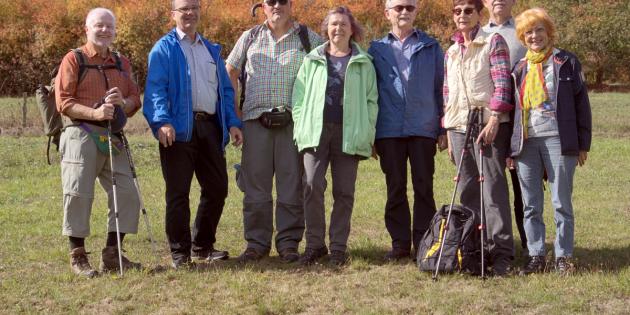 BUZ: Dieter Siebel, Jürgen Heise, Jürgen Seidler, Ruth Keinz, Heinz Keilmann, Irmlinde Keilmann, Siegmund Piegsa und Barbara Weinheimer wanderten eine Strecke von insgesamt 61 Kilometern. Foto: oh