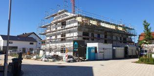 In der Annelie-von Heyl-Straße entsteht derzeit ein neues Wohngebäude mit neun Wohnungen — aufgrund der aktuellen Situation hat die Baugenossenschaft Lampertheim auf ein Richtfest verzichtet. Foto: oh