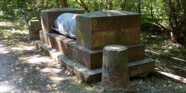 """Die """"Schwarze Schließe"""" soll das möglichst schnelle Ausfließen des Quellwassers in den Polder ermöglichen. Foto: oh"""