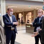 Christine Lambrecht,, Karsten Krug und Matthias Baaß im Gespräch mit Dani Marquardt (von links). Foto: oh