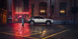 Überzeugt auf der ganzen Linie: Der neue vollelektrische Mazda MX-30. Foto: Mazda