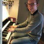 Hat nach bestandener Prüfung eine Organistenstelle in Bürstadt: Moritz Getrost Foto: oh