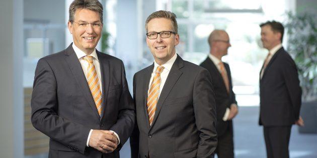 Blicken trotz Corona auf ein zufriedenstellendes Geschäftsjahr der Volksbank Darmstadt - Südhessen eG: Michael Mahr und Matthias Martiné. Foto: oh