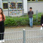 Die Kinder der Seehofschule stolz vor ihren Glasmalereien. Foto: ehr