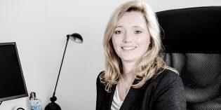 Rechtsanwältin Chantal Stockmann. Foto: Björn Nickolas Schiffner – www.bns-photography.de    WWW.BNS-PHOTOGRAPHY.DE | All rights reserved. |    Menschen berühren. Aus Liebe zum Augenblick.