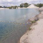Der mit einem Seil abgegrenzte Schwimmbereich am Kies-See in Gimbsheim. Foto: oh