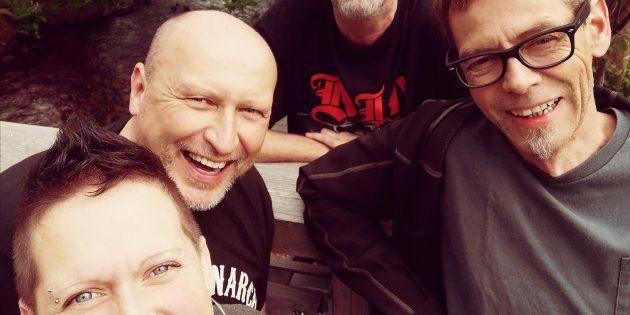 Mit The Black Rose betritt eine neue Rock-Coverband die Bühne. Foto: oh