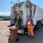 BUZ: Die Sammelfahrzeuge des Zweckverband Abfallwirtschaft Kreis Bergstraße (ZAKB) scannen die Biotonnen auf falsche entsorgte Abfälle. Bei Verstößen gibt es die Gelbe und in letzter Konsequenz die Rote Karte. Foto: oh