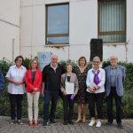 Beim Treffen am Stifterbaum begrüßte der Vorstand der Diakonie Stiftung Lampertheim die neue Zustifterin sowie die zahlreichen Gäste, die der Einladung gefolgt waren. Foto: Hannelore Nowacki