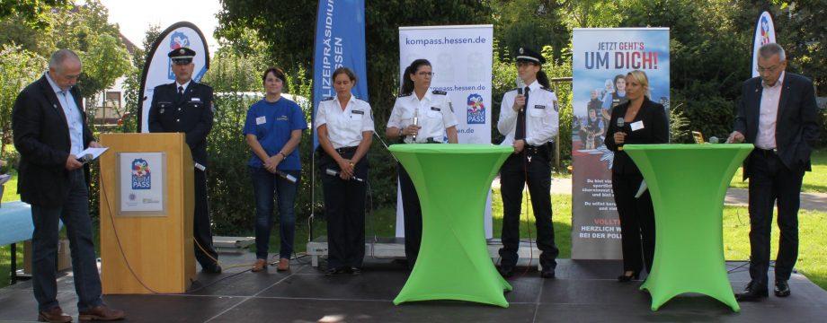 Bei der Podiums-Runde erfuhr man Interessantes über abgeschlossene, laufende und kommende Projekte, die Lampertheim noch sicherer machen. Foto: Nadine Schütz
