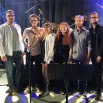 Die Band EXACT aus Weinheim heizte dem Publikum in der Siedlerhalle ordentlich ein. Foto: oh
