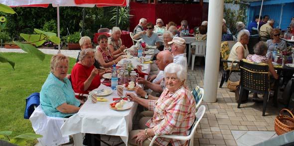 AWO-Erdbeer-Gartenparty ein voller Erfolg