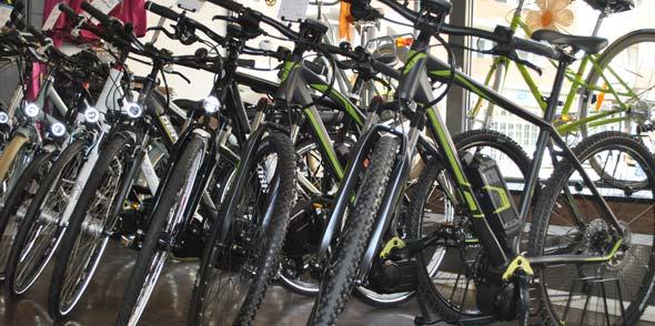 """Das Sortiment im """"Point of Sports"""" umfasst Trekkingräder, Mountainbikes sowie Zweiräder für Kinder und Jugendliche. Fotos: Benjamin Kloos"""