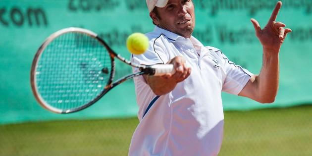 Thomas Petzold überzeugte mit Spielwitz und gewann deutlich sein Einzel mit 6:2 und 6:1.
