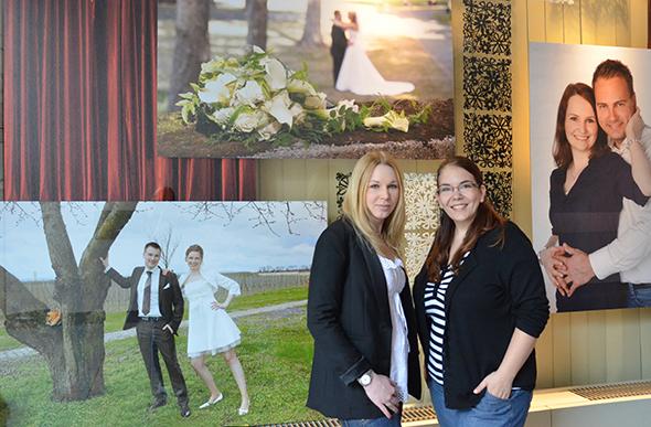 Sabrina Petri und Monika Stamm sorgen für die perfekten Erinnerungen Ihres Festes, das originelle Passfoto oder auch das ansprechende Bewerbungsbild. Foto: Lili Judith Oberle
