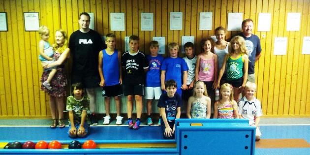 Der SKC Monsheim beteiligte sich auch an den Ferienspielen und lud Mädchen und Jungs auf die Hausbahn in Großkarlbach ein.