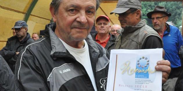 Goldene Ehrennadel für Roland Jecle