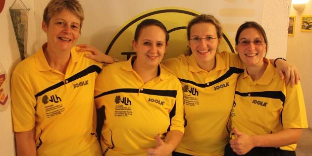 Herbstmeister in Gelb, von links die TTV Rheindürkheim-Tischtennis-Damen: Doris Weyrich, Natascha Endreß, Carina Weyrich, Yvonne Pillipan.