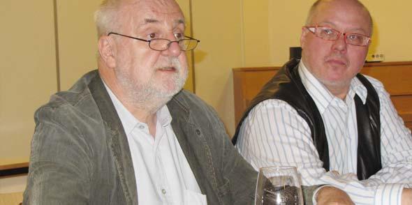 Hartmut Keil und Pfarrer Dr. Michael Finzer (von links).
