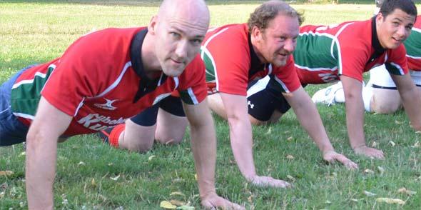 """Zunächst heißt es für die """"Rugger"""" die Fitness zu verbessern, bevor es ans Training mit dem """"Ei"""" geht. Foto: Gernot Kirch"""
