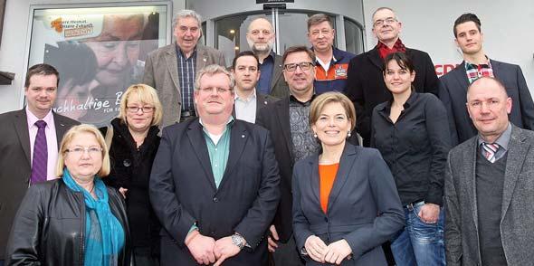 Hedi Thelen, Julia Klöckner und Adolf Kessel (1. Reihe, v. links) freuen sich über den intensiven Austausch mit den Gewerkschaften.